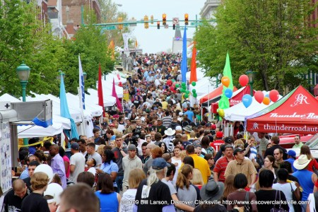 In 2009, more than 35,000 people filled the streets of Clarksville for the free 3-day event.